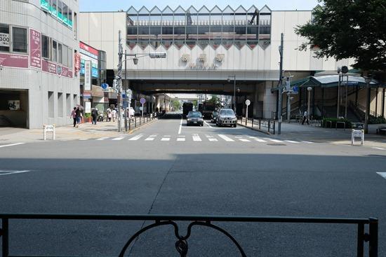 【聖地巡礼】がっこうぐらし@練馬駅 アニメで町おこしを狙う練馬、区民プラザは萌えているか