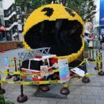 路上に表れるパックマンやドンキーコング!巨大レゴブロックで表現される映画「ピクセル」の世界@新宿クリエイターズ・フェスタ2015